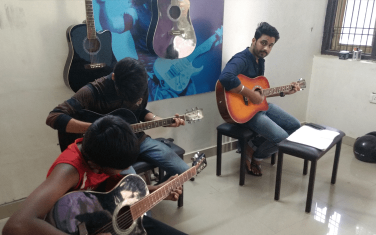 Guitar and Keybord Class in Jaipur